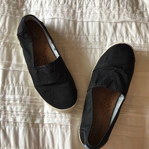 Toms: Women's Size 9